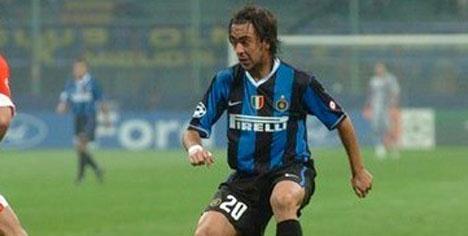 Recoba Inter'i bırakıyor!